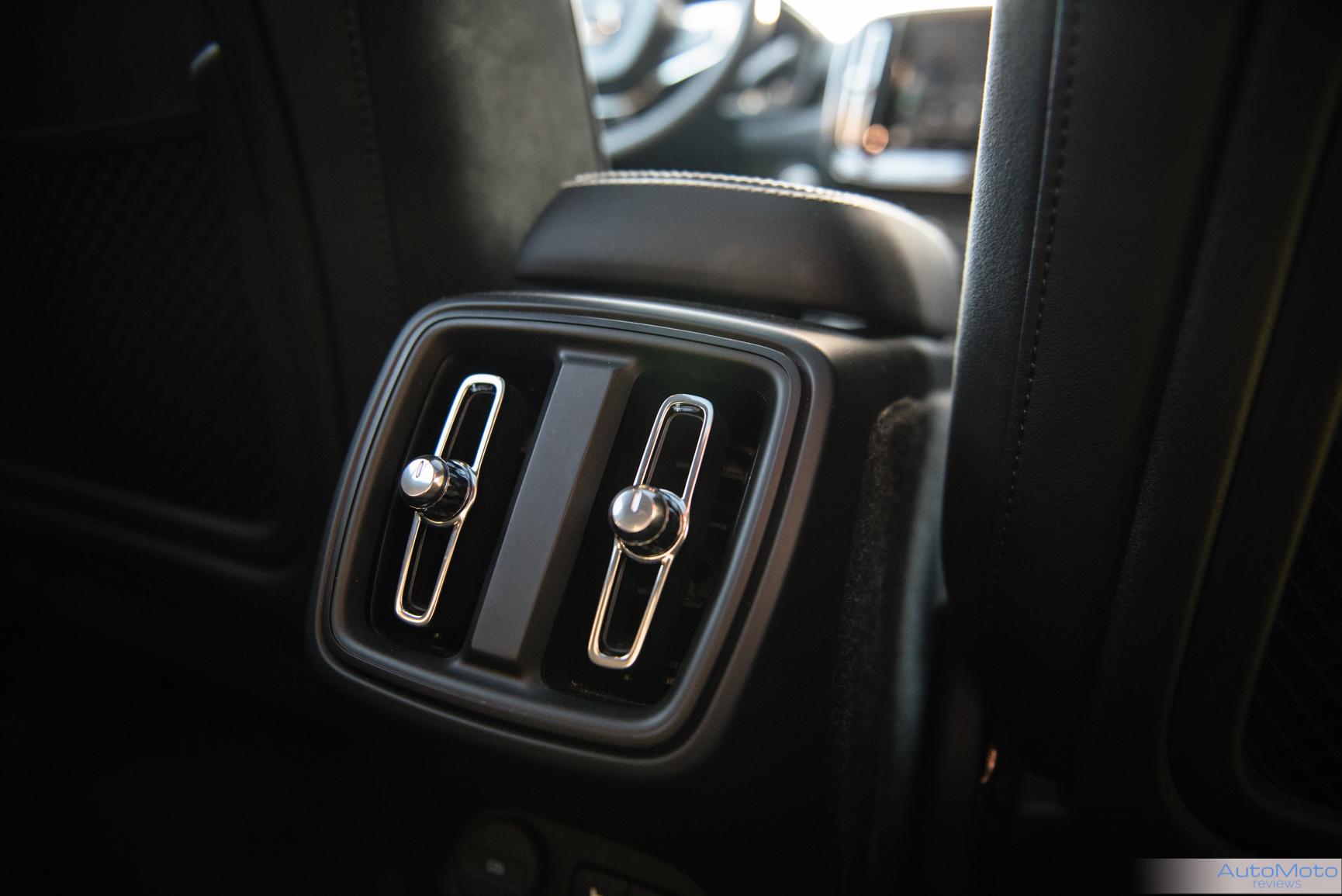 2018 Volvo XC40-14