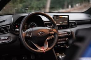 2019 Hyundai Veloster_-6