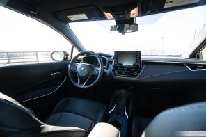 2019 Toyota Corolla Hatchback-3