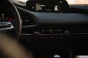 2019 Mazda 3-18