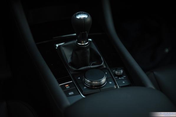 2019 Mazda 3-19