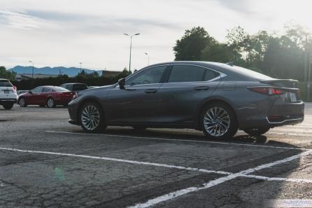 2019 Lexus ES300h-1-2