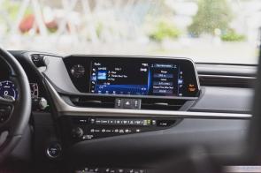 2019 Lexus ES300h-10-3
