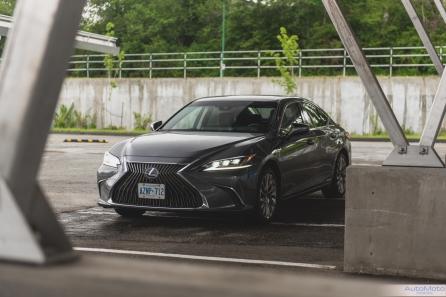 2019 Lexus ES300h-2-3