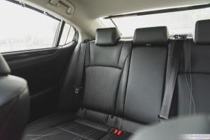 2019 Lexus ES300h-8-3