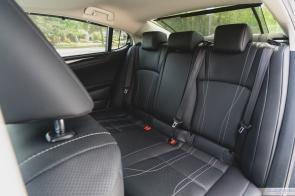 2019 Lexus ES300h-9-2