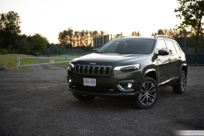 2019 Jeep Cherokee Overland-16