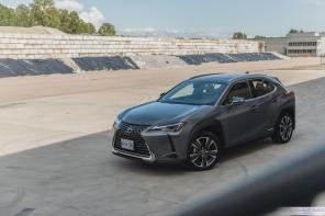 2019 Lexus UX 250h-17