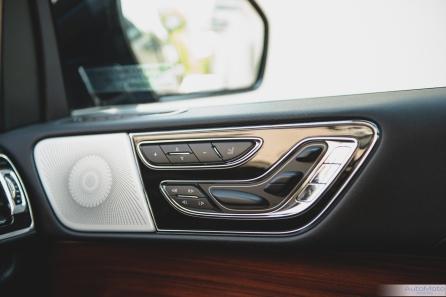 2019 Lincoln Navigator-21