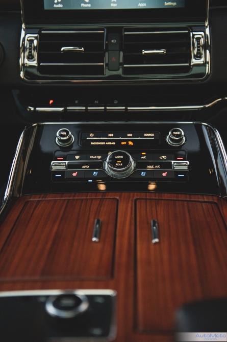 2019 Lincoln Navigator-9