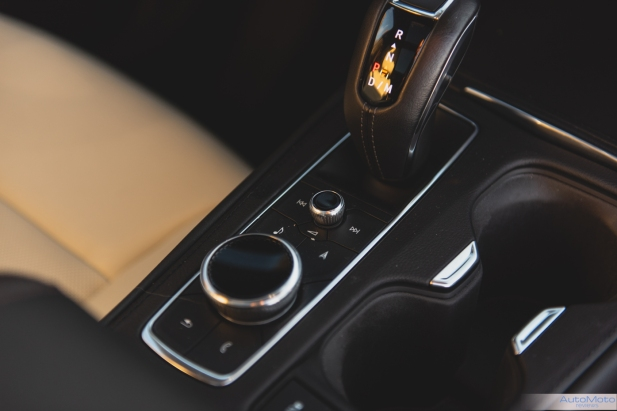 2019 Cadillac XT4-23