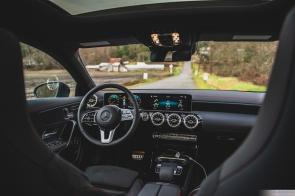 Mercedes Benz CLA 250-1
