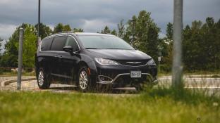 2020 Chrysler Pacifica-11