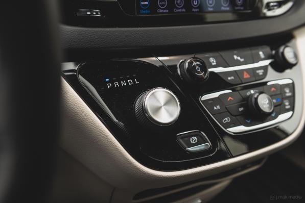 2020 Chrysler Pacifica-15