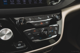 2020 Chrysler Pacifica-16