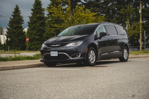 2020 Chrysler Pacifica-21