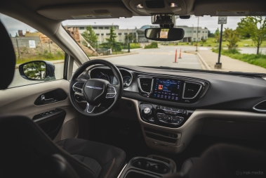 2020 Chrysler Pacifica-27