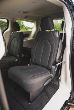 2020 Chrysler Pacifica-3