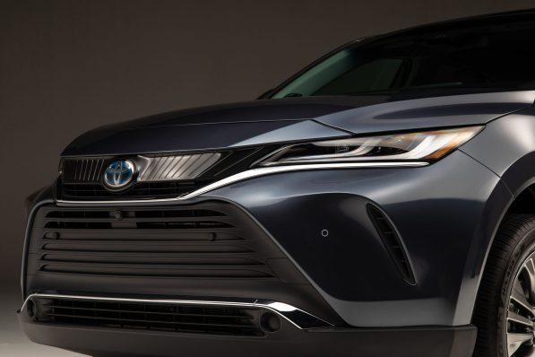 2021-Toyota-Venza_Exterior_011-scaled