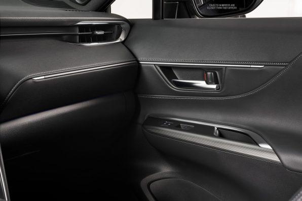 2021-Toyota-Venza_Interior_006-scaled