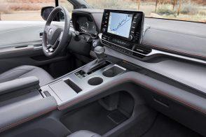2021_Toyota_Sienna_XSE_010-scaled