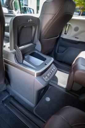 Toyota_2021_Sienna_Platinum_019-scaled